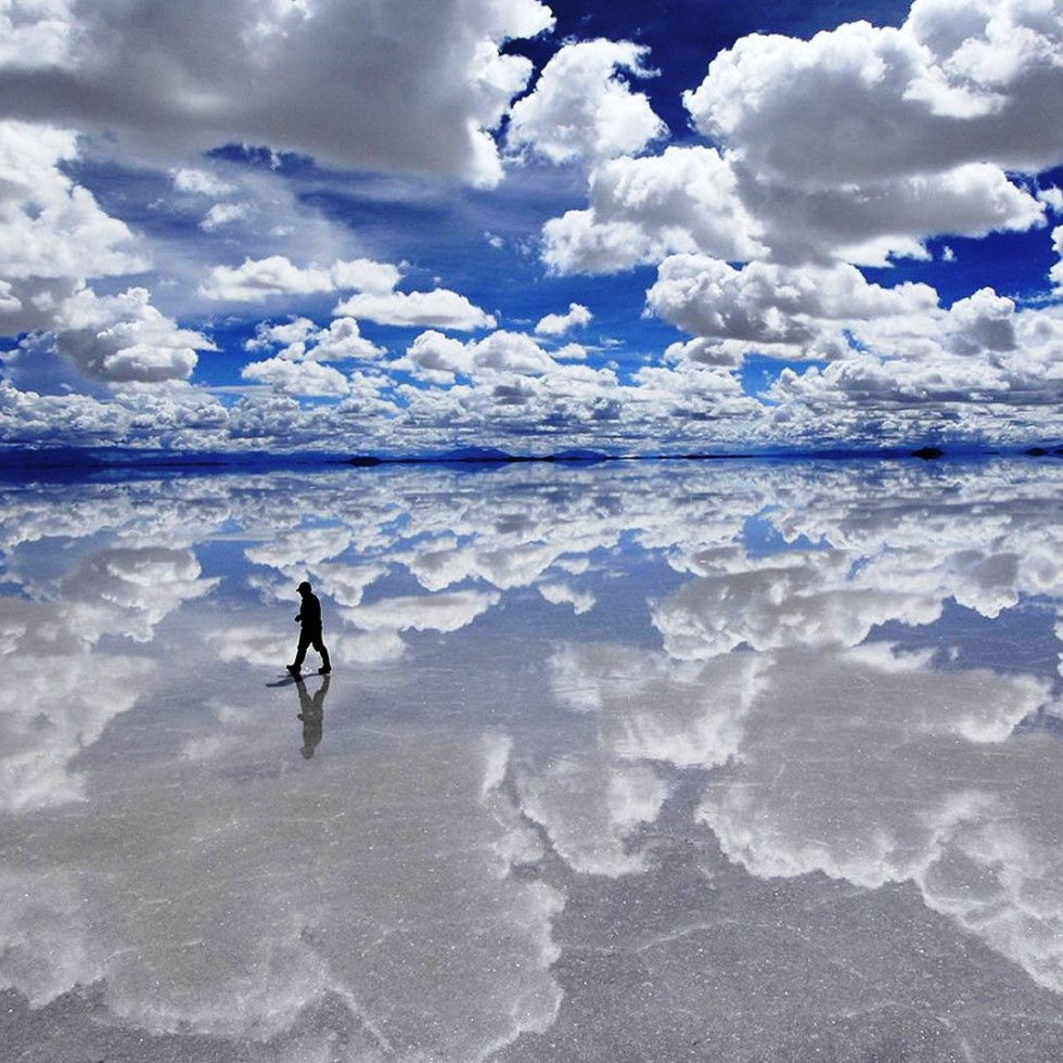 Incredible-Mirror-effect-of-the-largest-salt-flat-in-the-World